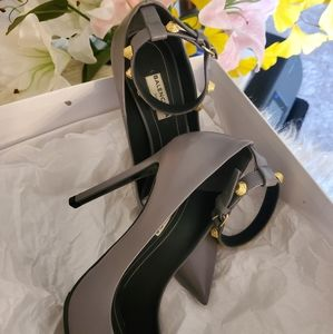 Balenciaga heels 👠